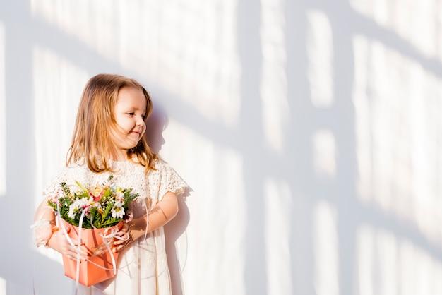 Cute litte bridesmaid Free Photo