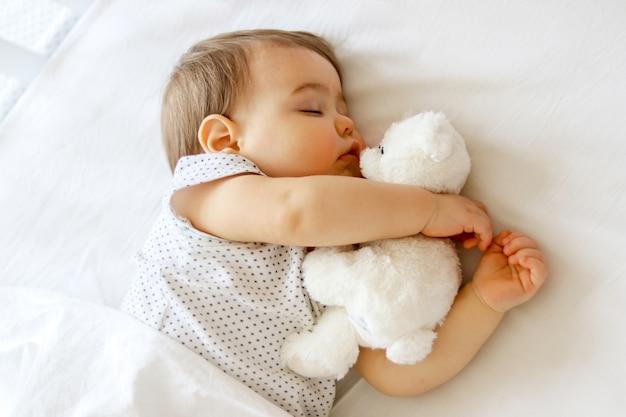 Cute little baby sleeping Premium Photo