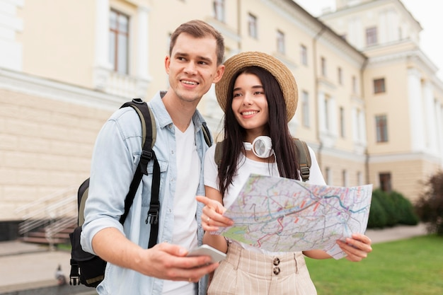 Cute young couple enjoying vacation Premium Photo