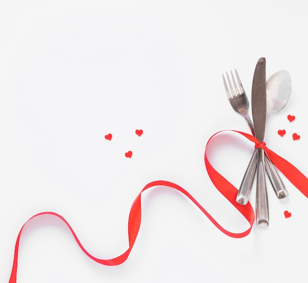 Cutlery set with small hearts Free Photo