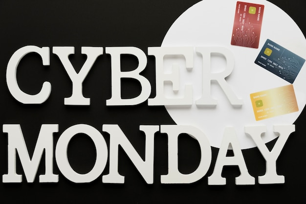 Cyber monday message with cards Free Photo