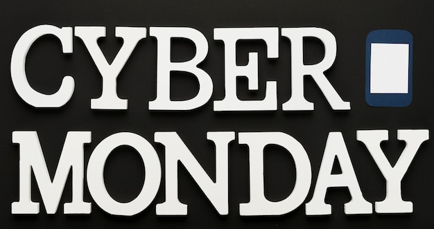 Cyber monday message with phone Free Photo
