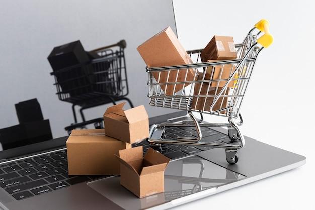 Vendite dello shopping del cyber lunedì Foto Gratuite