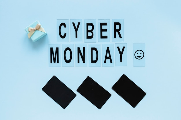 Cyber monday text with blank tags Free Photo