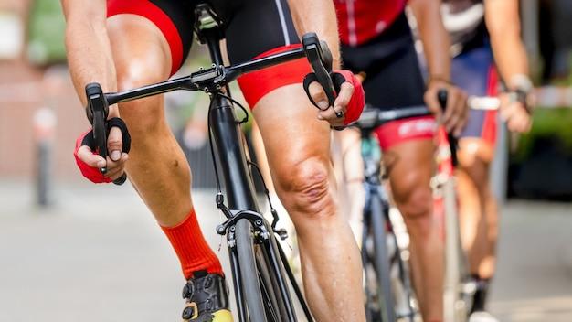 自転車レースのサイクリスト 無料写真