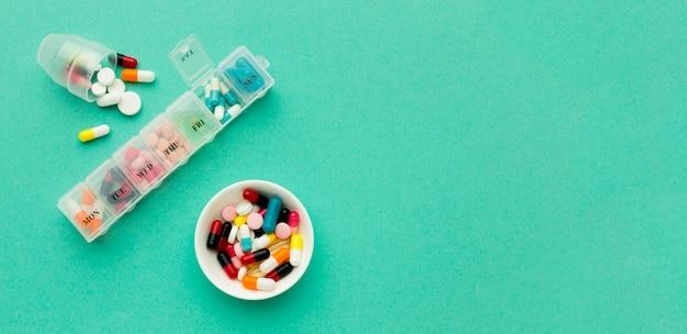 Ежедневные таблетки для оздоровления с копией пространства Бесплатные Фотографии