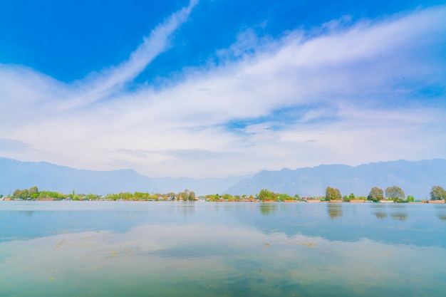 Dal lake, kashmir india Free Photo