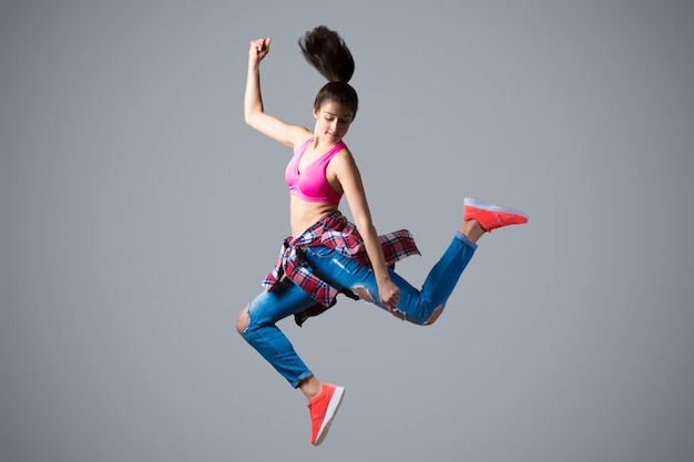 Dancer in high leap Free Photo