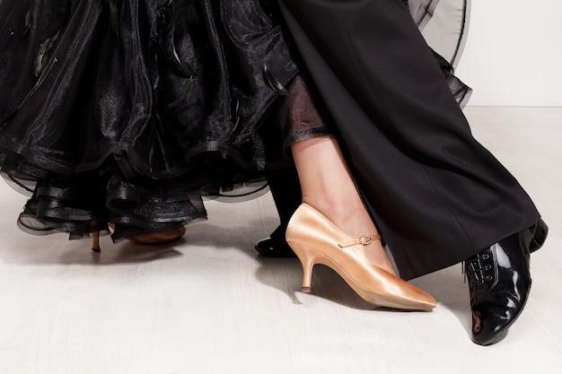 Dancers legs Premium Photo