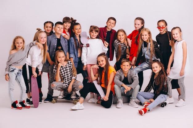 Dancing team in studio Free Photo