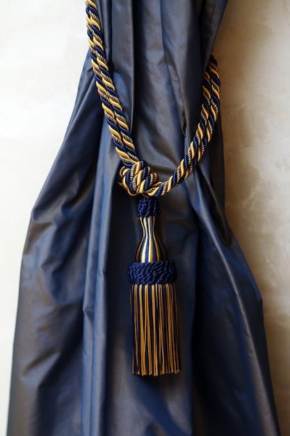 ロープでダークブルーのカーテン 無料写真