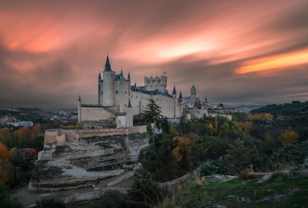 Dawn on the castle Premium Photo