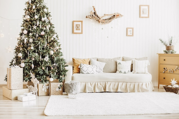 Decorated christmas room with gifts Free Photo