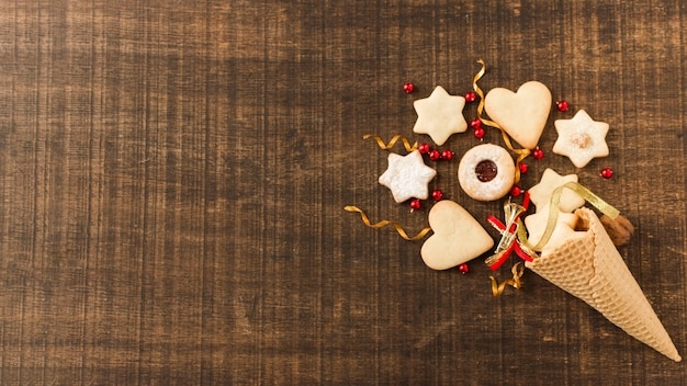 Decorated sugar cone with biscuits Free Photo