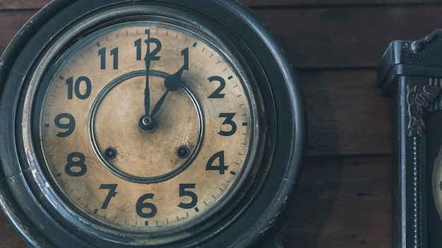 Decorative vintage wall clock Premium Photo