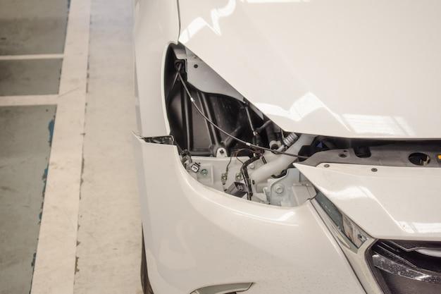 顧客のための中心車サービスの不良車ライト Premium写真