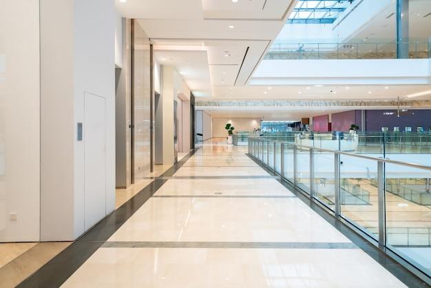 배경에 대한 백화점 내부의 Defocused 쇼핑몰 프리미엄 사진