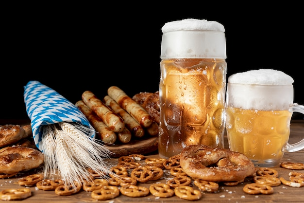 Delicious bavarian drinks and snacks Free Photo