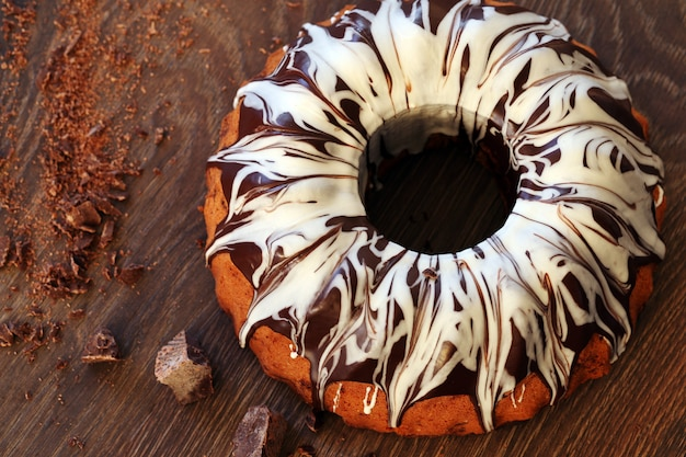 Delicious cake with chocolate Free Photo