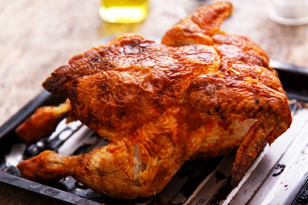 Delicious chicken on the table Free Photo