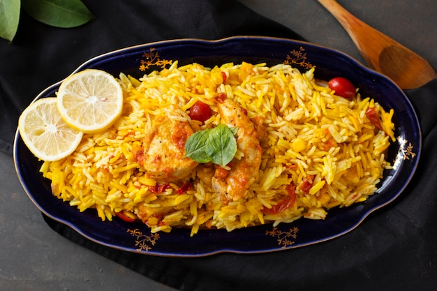 Delicious chicken with rice cooked in indian style Free Photo