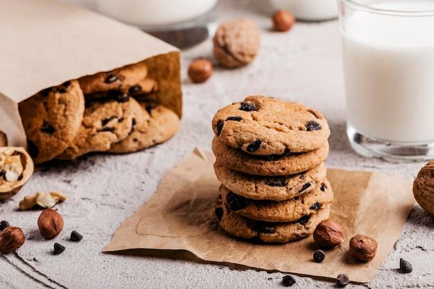 Вкусное печенье со стаканом молока Бесплатные Фотографии