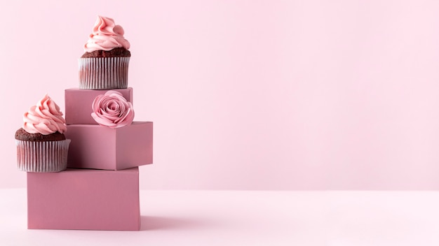 Delicious cupcakes with copy-space Free Photo