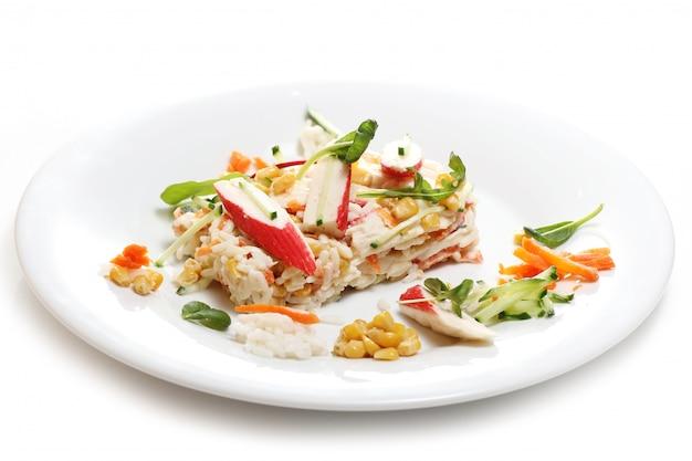 白い皿においしい食べ物 無料写真