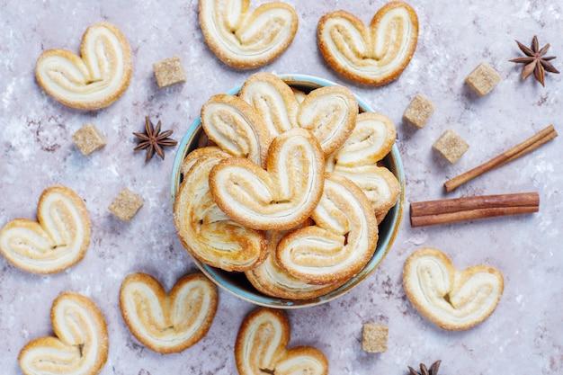 Вкусное французское печенье с сахаром Бесплатные Фотографии