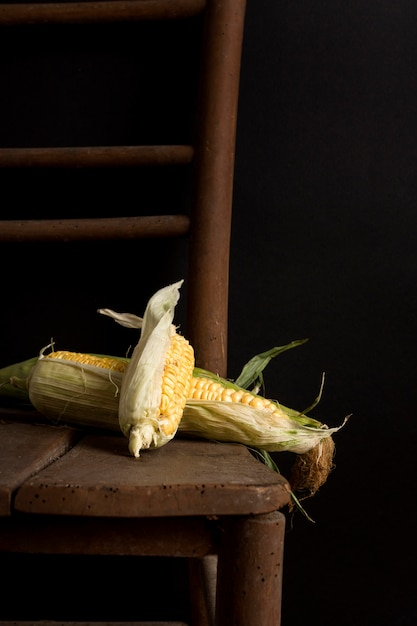 Delicious fresh corn on table Free Photo