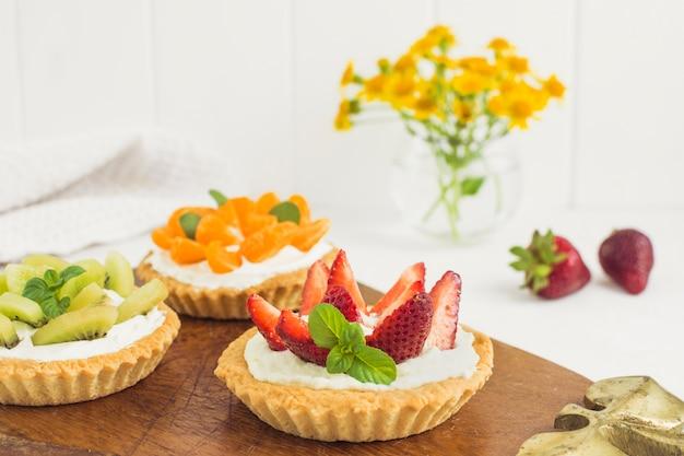 Delicious fruit tarts Free Photo