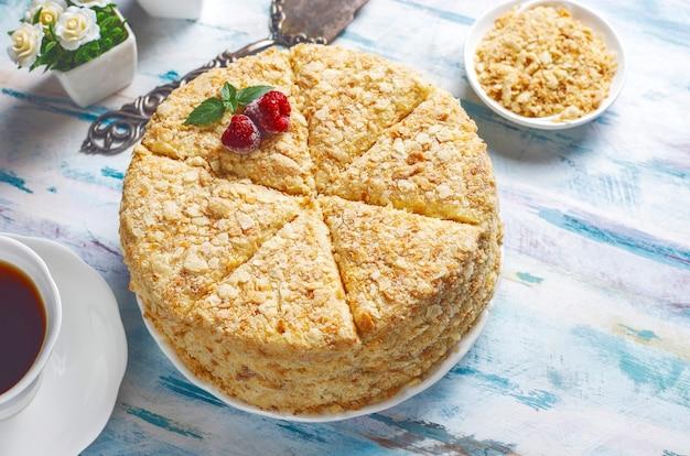 Deliziosa torta napoleone fatta in casa, vista dall'alto Foto Gratuite