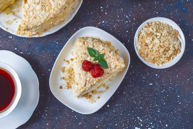 Вкусный домашний торт наполеон, вид сверху Бесплатные Фотографии