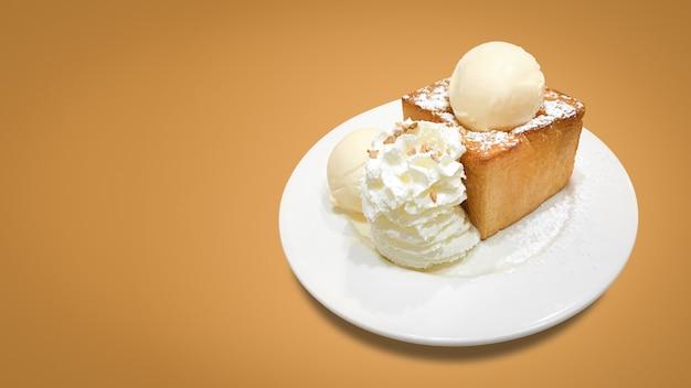 Delicious honey toast with plate Premium Photo
