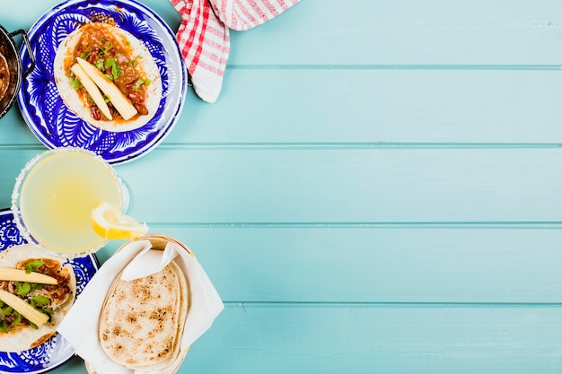 Delicious mexican food on plates Free Photo