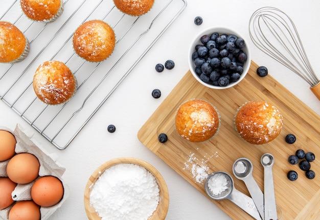 Deliziosi cupcakes mattina con mirtilli Foto Gratuite