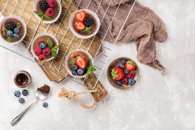 Muffin e panno deliziosi Foto Gratuite