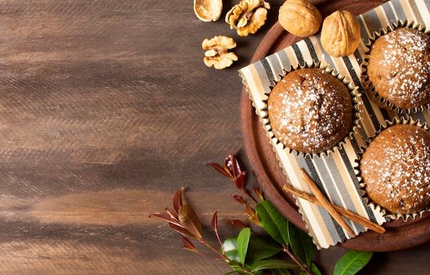 Deliziosi muffin ripieni di noci Foto Gratuite