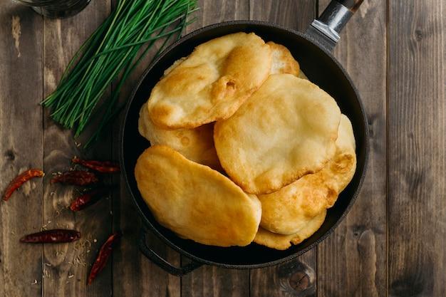 맛있는 파키스탄 요리 평평하다 프리미엄 사진