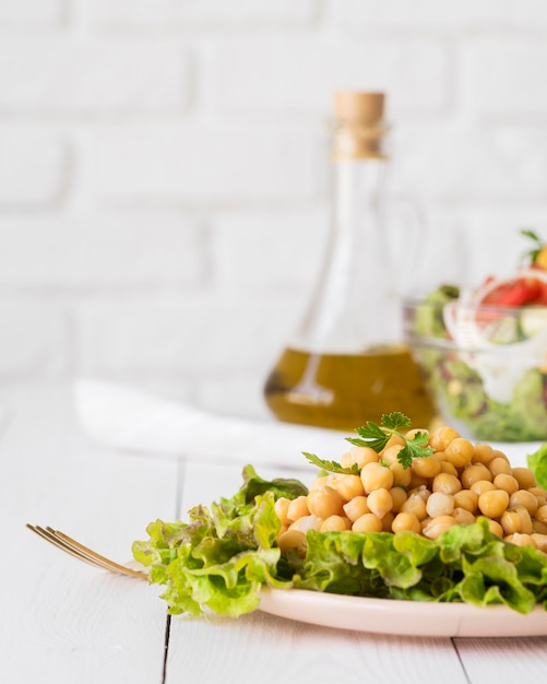 Delicious salad with beans concept Free Photo