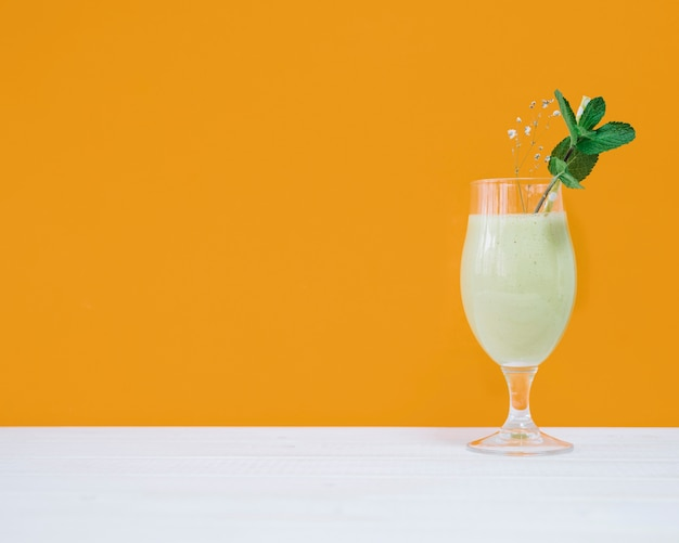 Delicious summer smoothie and copyspace Free Photo