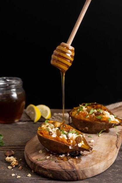 Вкусный сладкий картофель с медом Бесплатные Фотографии