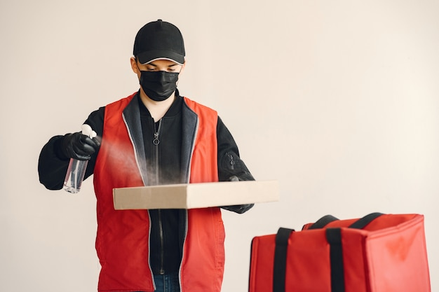 Delivering items with precautions from cloud packer and movers
