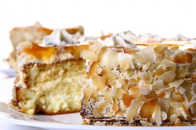 Dessert fruit cake with white chocolate Free Photo