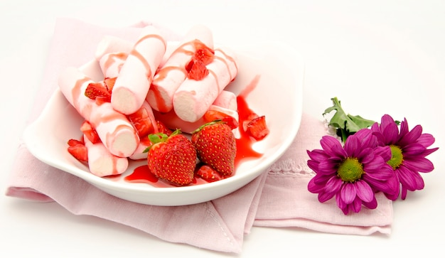 Dessert with strawberry Premium Photo