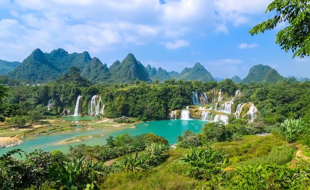 中国広西省の美しく壮大なdetian滝 Premium写真