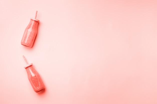 Detox summer drink background. vegetarian concept. Premium Photo