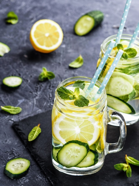 Detox water with cucumber, lemon and mint Premium Photo