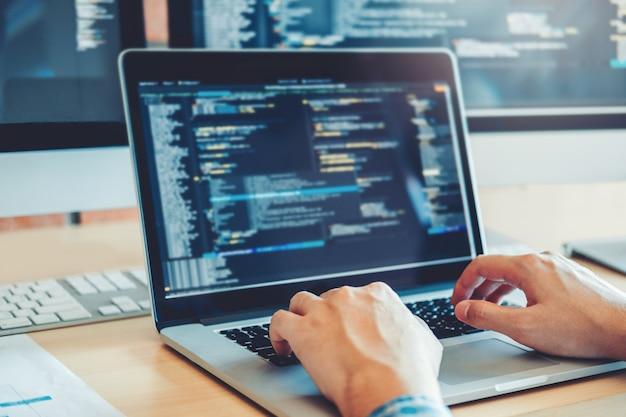 Developing programmer development website design and coding technologies Premium Photo