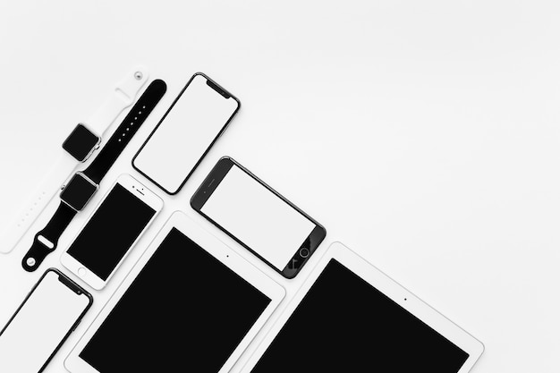 Devices and copyspace Free Photo